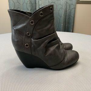 Decree Booties Gray